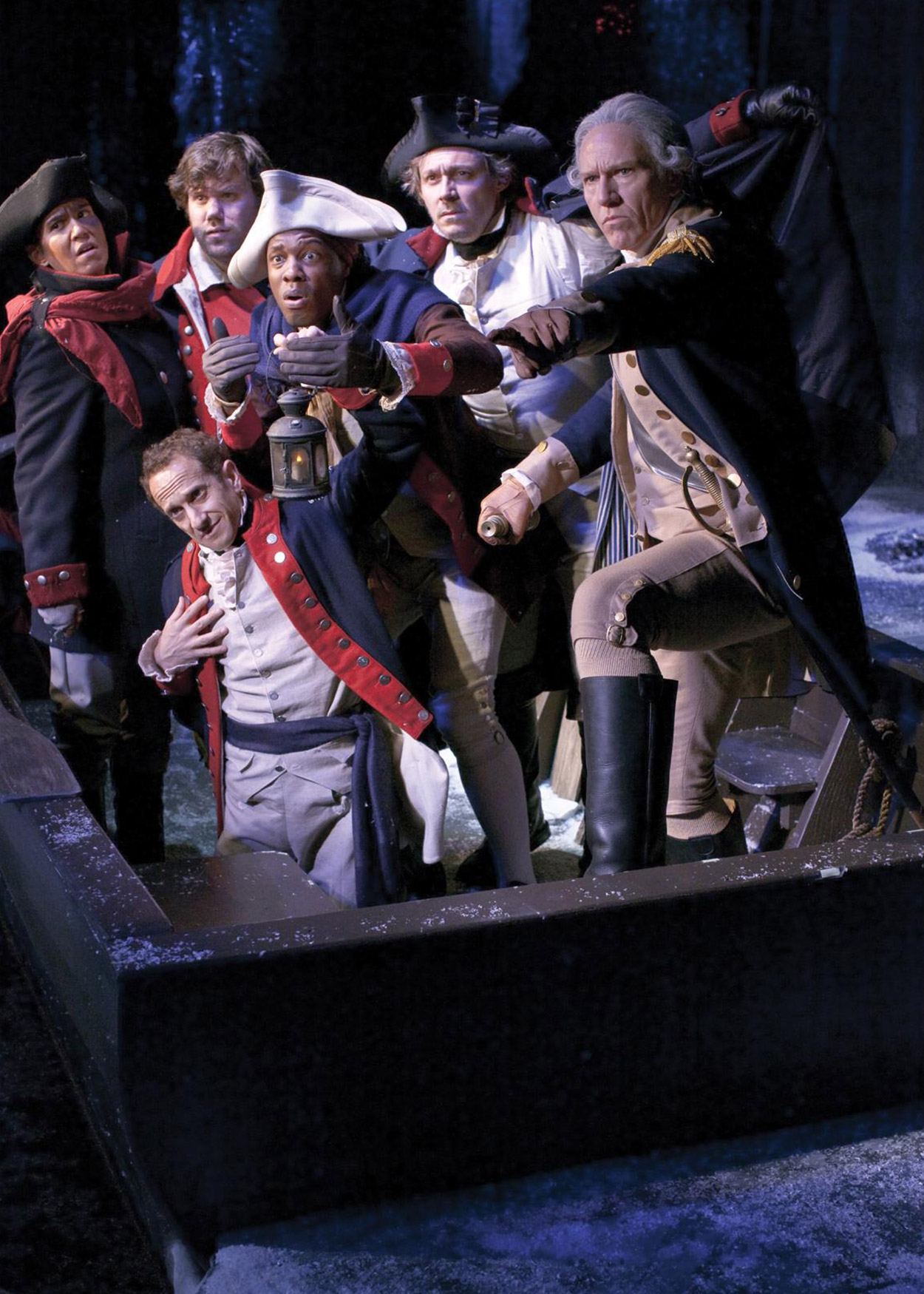 George Waashington and crew cross the Delaware River